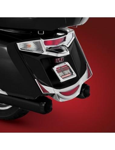 Černé koncovky výfuků Honda...